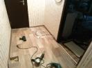 Укладка пола линолеумом и установка плинтуса